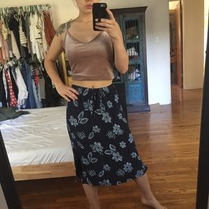 Dresses & Skirts - Vintage dark Blue Floral Print Midi Skirt flower